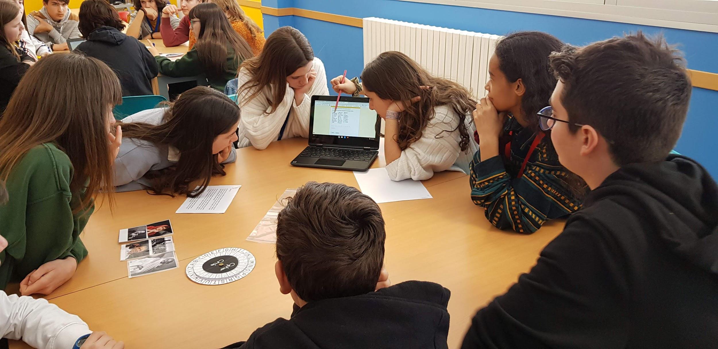 AdF Clara Campoamor - Con alumnos 2